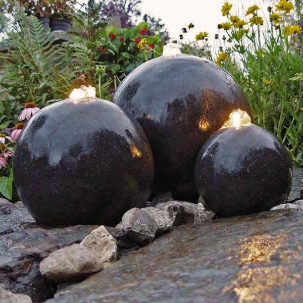 Fontaine de jardin lumineuse 3 sphères