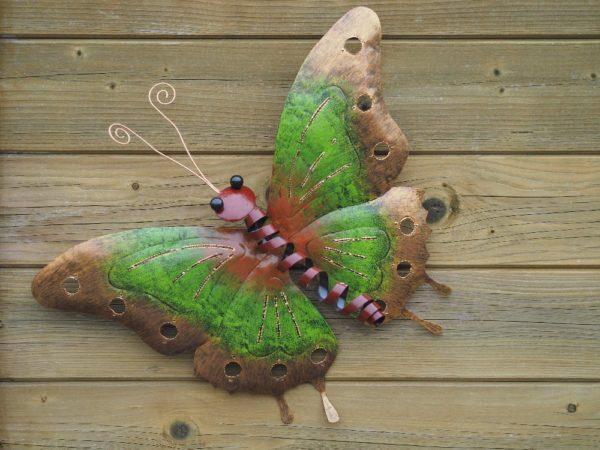 Papillon en acier vert